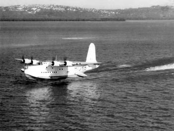 Image taken by Tom Chalmers of a Sunderland Flying taking off from Durban harbour on August 27, 1957.